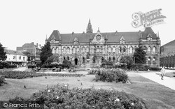 Town Hall And Gardens c.1965, Middlesbrough