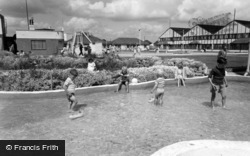 Middleton-on-Sea, Southdean Holiday Centre, Children's Paddling Pool c.1960