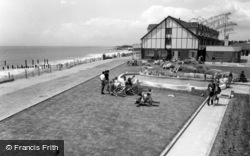 Middleton-on-Sea, Southdean Holiday Centre, Lawns c.1960