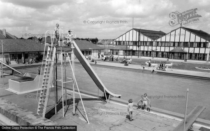 Photo of Middleton On Sea, Southdean Holiday Centre Swimming Pool c.1960