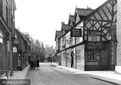 Middlewich, White Bear Hotel c.1950