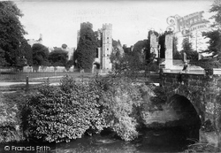 Midhurst, Cowdray Castle 1906