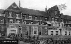 Midhurst, King Edward Vii Sanatorium South Front Terrace 1906