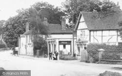 Milford, Godalming Road 1906