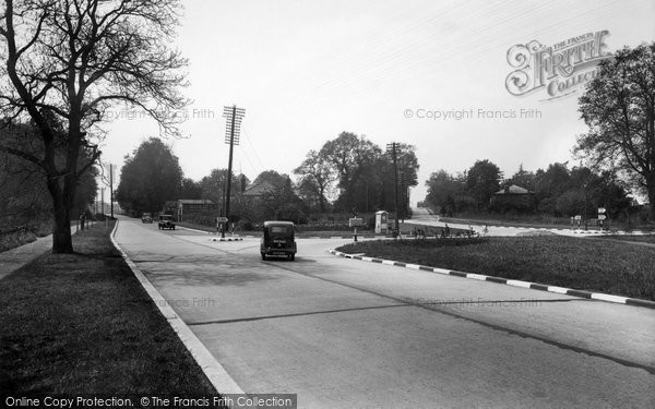Photo of Milford, the Roundabout 1935