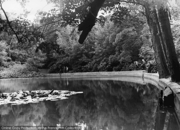 Photo of Mill Hill, Moat Mount c.1960