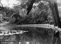 Mill Hill, Moat Mount c.1960