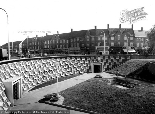Photo of Mill Hill, Northway Circus c.1960