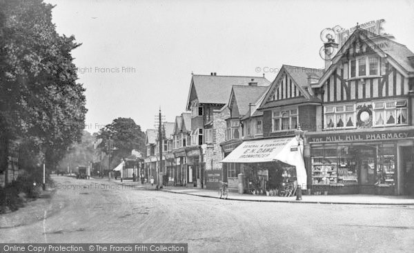 Photo of Mill Hill, The Broadway c.1915