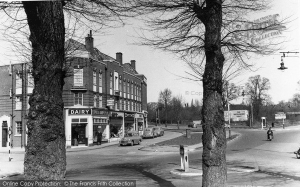 Photo of Mill Hill, The Circus c.1955