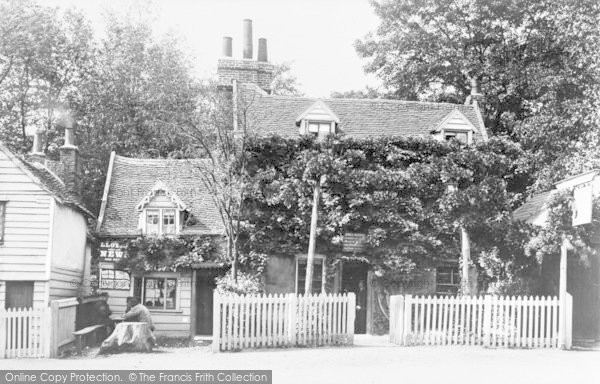 Photo of Mill Hill, The Rising Sun c.1900