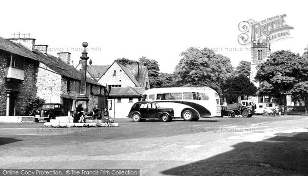 Milnthorpe, the Square c1950.  (Neg. M263018)  � Copyright The Francis Frith Collection 2008. http://www.francisfrith.com