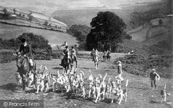 Devon And Somerset Staghounds c.1920, Minehead