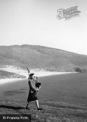 Mingulay, Bagpiper Calum Johnstone 1959