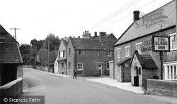 Misterton, The Post Office And Globe Inn c.1960