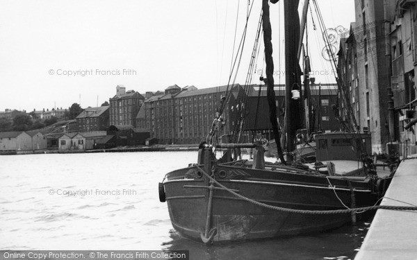 Mistley, the Quay c1955.  (Neg. M131006)  © Copyright The Francis Frith Collection 2005. http://www.francisfrith.com