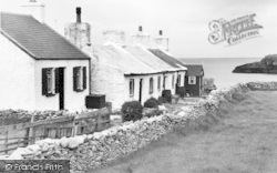 Moelfre, Swnt Cottages c.1950