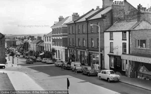 Mold, High Street c1960