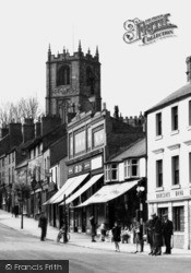 Mold, Upper High Street And Church c.1950