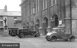 Monmouth, Cars Outside Shire Hall 1931