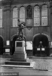 Monmouth, Charles Rolls Statue 1914