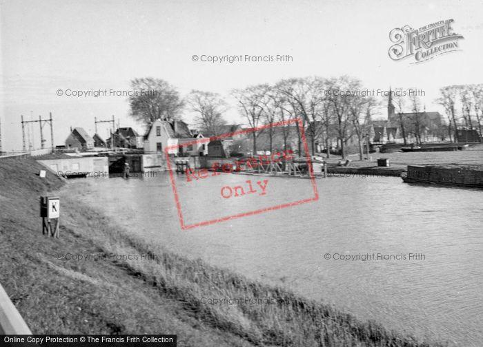 Photo of Monnickendam, c.1938