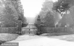 House Gates c.1960, Montacute