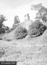 Montgomery, The Castle Ruins 1948