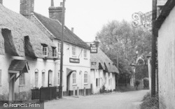 Monxton, High Street, The Black Swan 1951