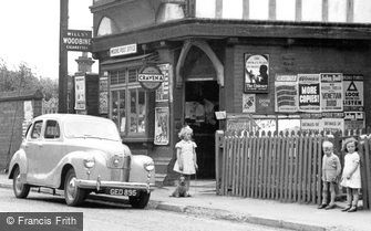 Moore, Children by the Post Office c1952
