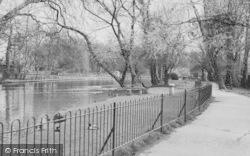 Morden, Ravensbury Park c.1960