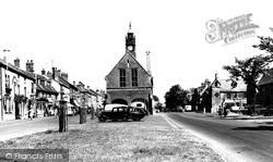 Moreton-In-Marsh, High Street c.1960