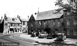 Moreton-In-Marsh, The White Hart Hotel And Curfew Bell c.1960