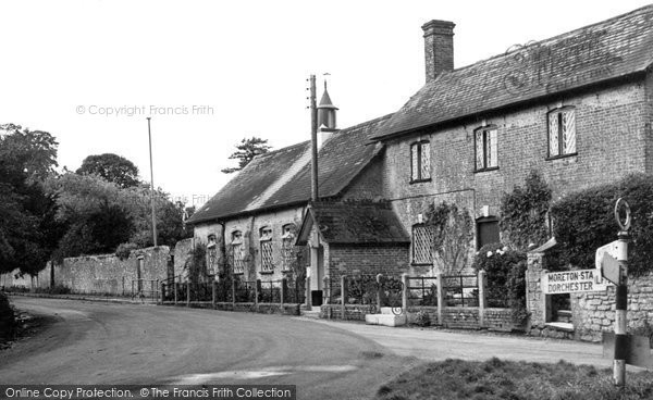 Photo of Moreton, The School c.1955