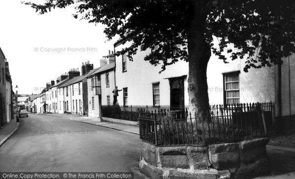 Photo of Moretonhampstead, Cross Street c1960, ref. M97003