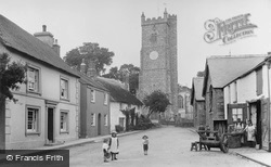 Fore Street And Church 1906, Moretonhampstead