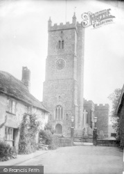 Green Hill And Church 1924, Moretonhampstead