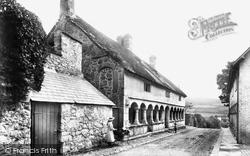Old Almshouses 1906, Moretonhampstead