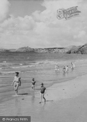 Morfa Bychan, Families Enjoying Black Rock Sands c.1960