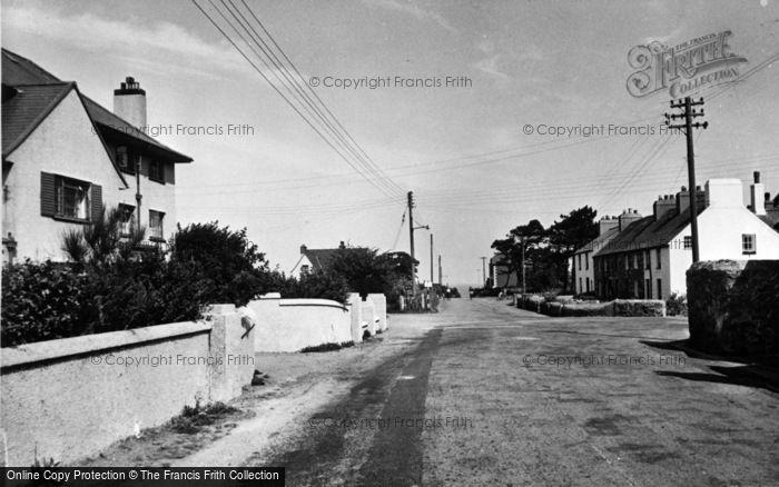 Photo of Morfa Nefyn, The Linksway Hotel And Beach Road c.1960