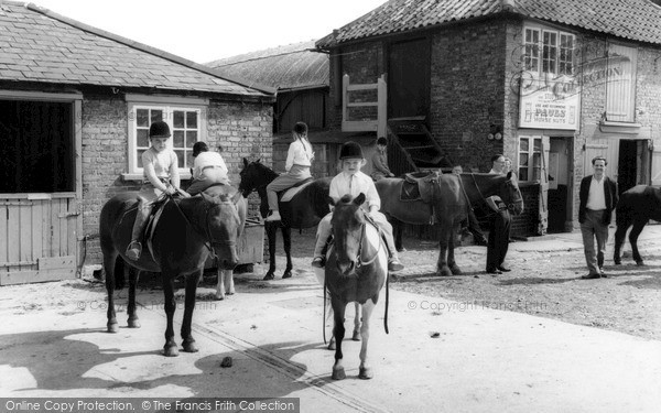 Mottingham, Farm Riding School c1965