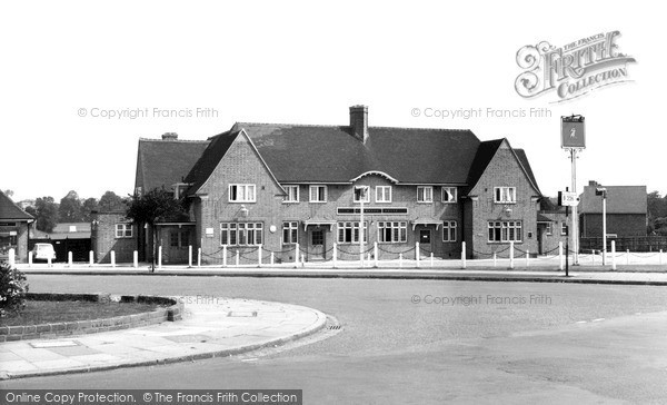 Mottingham, The Chinbrook Public House c1965