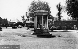 Mottingham, The Memorial c.1960