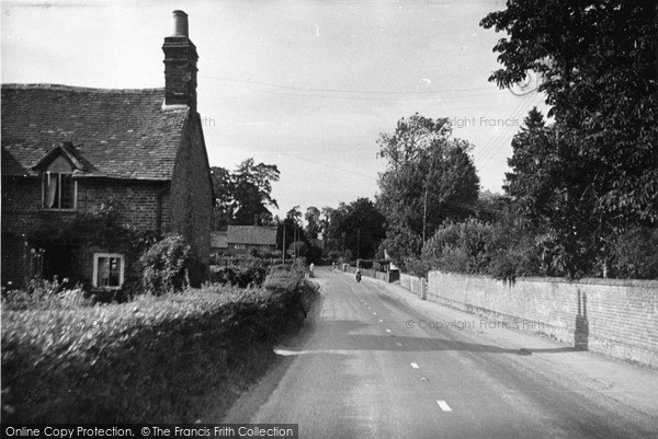 Photo of Moulsford, Village c.1950