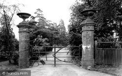 Moulton, Implement Gate c.1955