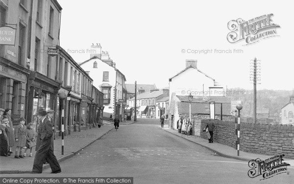 Photo of Mountain Ash, Commercial Street 1950