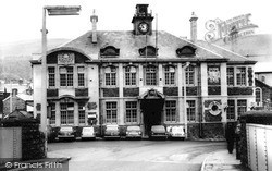 Mountain Ash, Town Hall c.1960