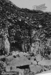 Mousehole, The Cave 1908