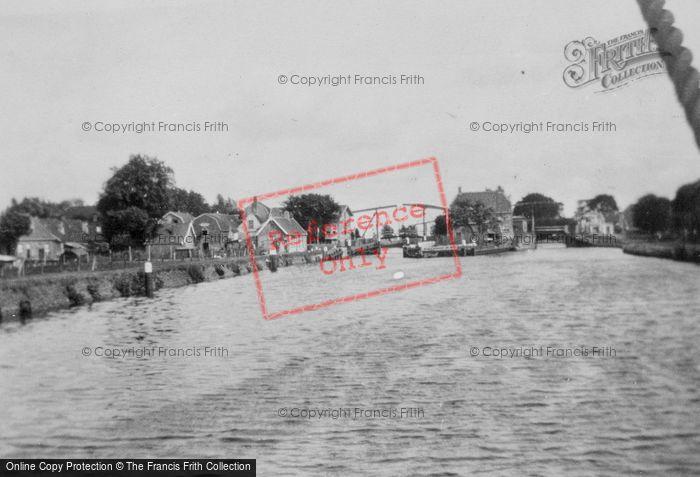 Photo of Muiden, Canal And Drawbridge c.1930