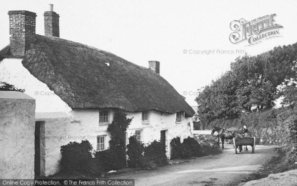 Photo of Mullion, Cottages, Horse And Cart 1911